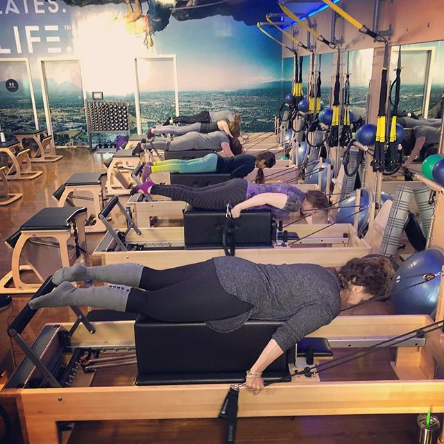 Working the essentials!! Back and arm work on long box! Love  this committed group😀#pilates of course🙄 #back #backextension #arms #lats #belly #fun