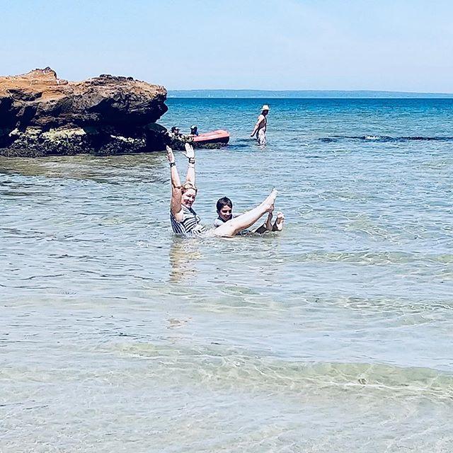 PILATES PLAY 🏼 with my son at the #beach #beachday #beachfun #teaser #pilates #beachvibes #momsontime #australia