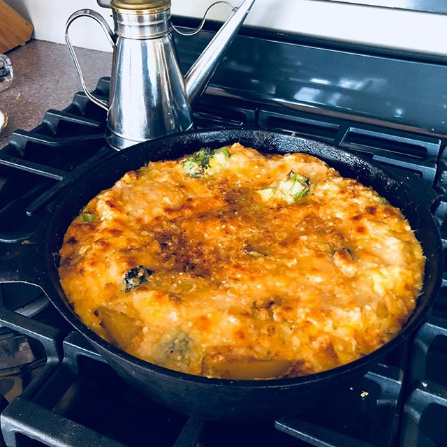 And just like that I've got a beautiful frittata for lunch!  Thank you to my gorgeous chicks  for the daily eggs they produce. And a BIG thank you to @smittenkitchen for the recipe! You make me feel like a rock  star❣️Whatcha all havin' for lunch?  Make it healthy #pilatesinstructorlife #goodeats #frittata #fresheggs #healthyfood #happysaturday #gracefulpilates gracefulpilates.com #Livermore