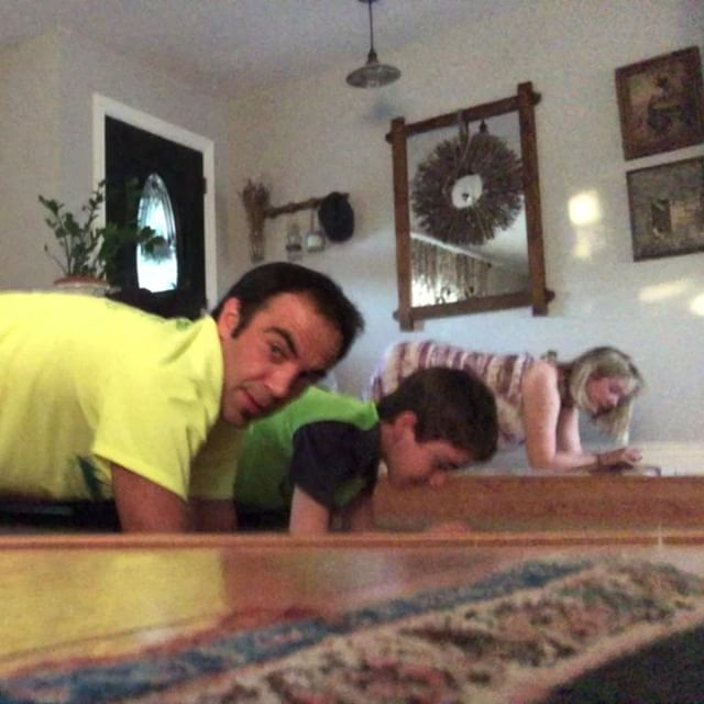 #lizziesplankchallenge DAY 28 - 2min30secThank goodness for my helpers. Really couldn't have done this without them.  Dang 150 seconds seems so small a feat but in these circumstances it's very BIG.  I'm out of energy. Nite 🏼. #longplank #plank #planker #morecore #stronger #strongereveryday