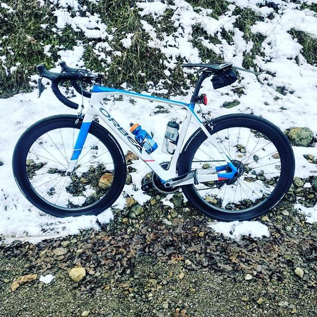 Well someone visited the snow today in an unconventional way. ️ Almost froze his digits off#snow #livermorehills #snowfall @my.bike.life