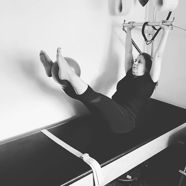 #pike on the Cadillac. Beautiful form and I love using the ball to make sure the pelvic floor stays engaged#pilates #pilatescadillac #pilatescadilac #abs #abdominals #innerthigh #power #abs #absworkout #toughstuff #gracefulpilates #livermore sign up for a lesson www.gracefulpilates.com