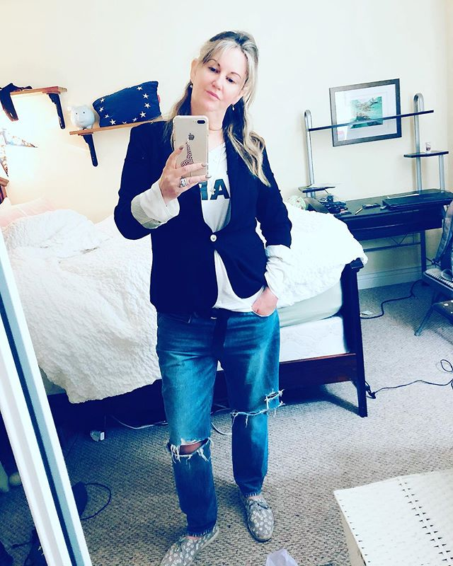 I got a lot of compliments on my outfit tonight, so thought I'd share?? 🤷🏼‍♀️ #outfit #complimentary #love #casualstyle #casual #fun #clothing #casualfashion